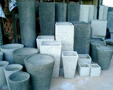 Vasi per piante materiali e tecniche di pulizia for Vasi da giardino in plastica